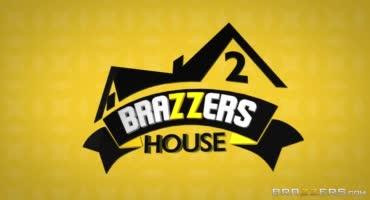 Бразерс заделали себе порно дом, в котором трахаются каждую минуту