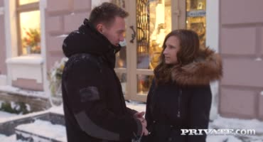 Русская пара после интимных развлечений окончила кремпаем