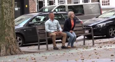 Взрослая парочка встретив парня согласились на съёмку их секса на камеру