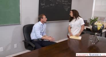 Задирай юбчонку, я покажу, как надо готовиться к тесту с преподом