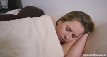 Разбудил женушку ради страстного минета и отличной ебли