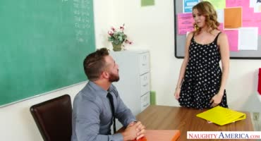 Студентка знает, как получить зачет у озабоченного препода