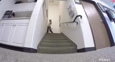 Развратная студентка трахает себя дилдаками и скачет на члене препода