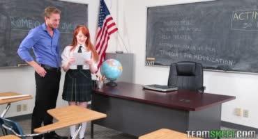 Студентка за экзамен способна лечь под препода