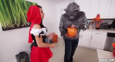 Игла в красную шапочку и волка закончилась спермой во рту