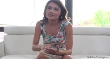 Худышка уже на кастинге поняла, что её ждет приятная карьера порно актрисы