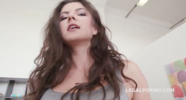 Мечта сучки исполнилась - секс с большим членом негра