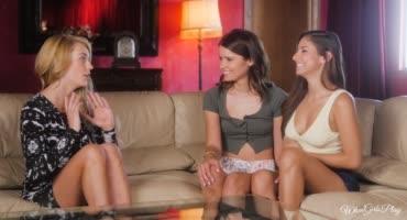 Три девки показали, как нужно страстно трахаться