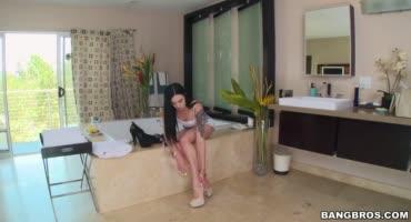 Кобель любит трахнуть проститутку в ее глубокий анал