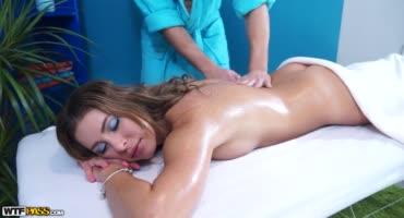 Чпокнул свою восхитительную клиентку после массажа