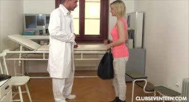 Красивая девушка возбудилась на приёме у врача благодаря ему