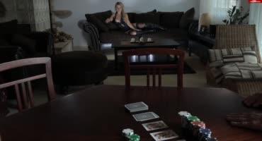 Муж проиграл киску жены в карты с лучшим другом