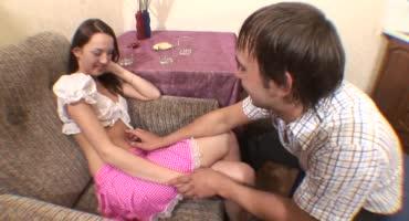 Парень привёл домой друга и после попойки они пристали к его девушке