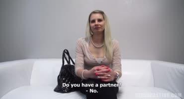 Чешская девушка решилась сняться в порно на кастинге