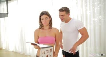 Гибкая красавица Джулия Рока потрахалась с парнем после тренировки