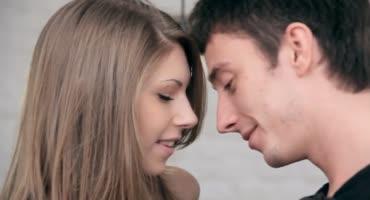 Секс сразу же на первом свидании с русской шалавой