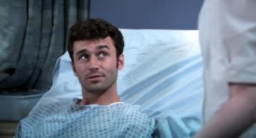 Медсестра показала парню всю свою страсть, которая в ней была