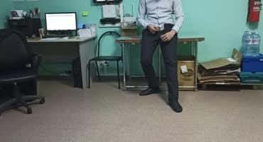 Московская дырка помогает парню сдать сперму