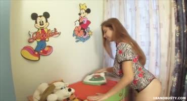 Московская зайка показала прелести своих доек и танцевала