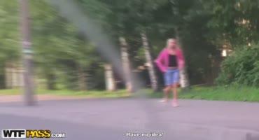 Парень нанял проститутку из СПб на улице, чтобы она потрахались в заброшке