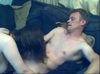 Развратная парочка занялась оральным сексом