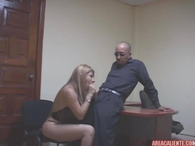 Босс после работы хорошенько трахнул свою секретаршу