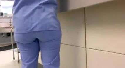 Сексуальную брюнетку Lia M трахнул горячий парень у заброшенной стройки