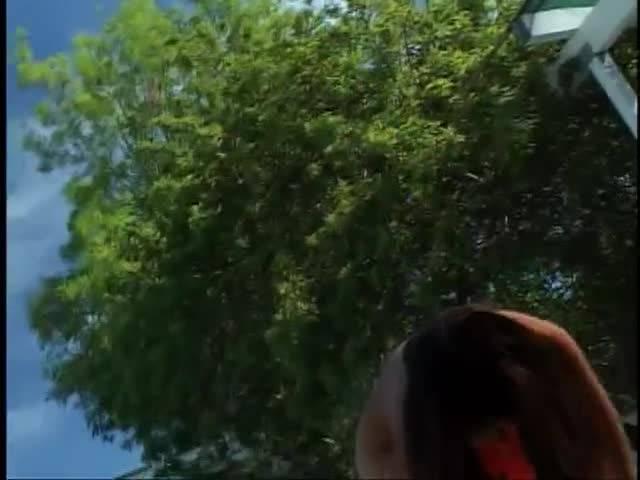 Негр трахает горячую азиатку в киску, дает сосать член и кончает на лицо
