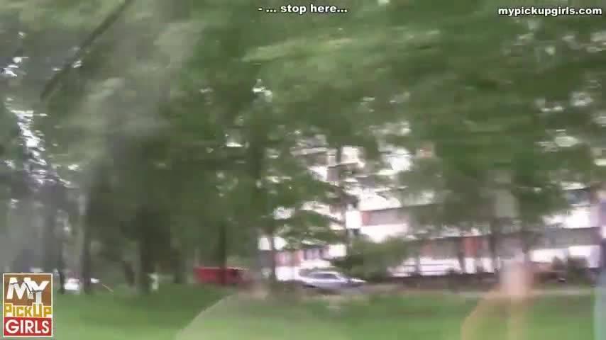 Два друга сняли студентку на улице и трахнули ее на стройке