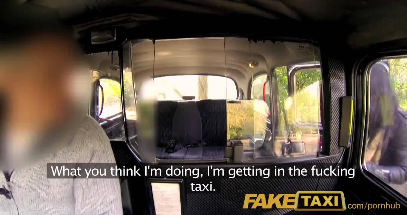 Фейк-таксист развел милую брюнеточку на еблю
